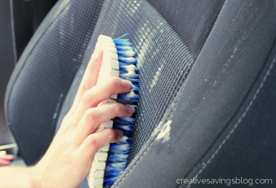 Diy car upholstery cleaner creative savings - Comment nettoyer siege de voiture ...