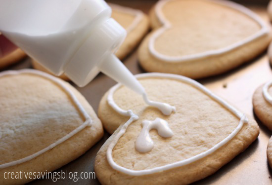 How to Make Royal Icing | Creative Savings