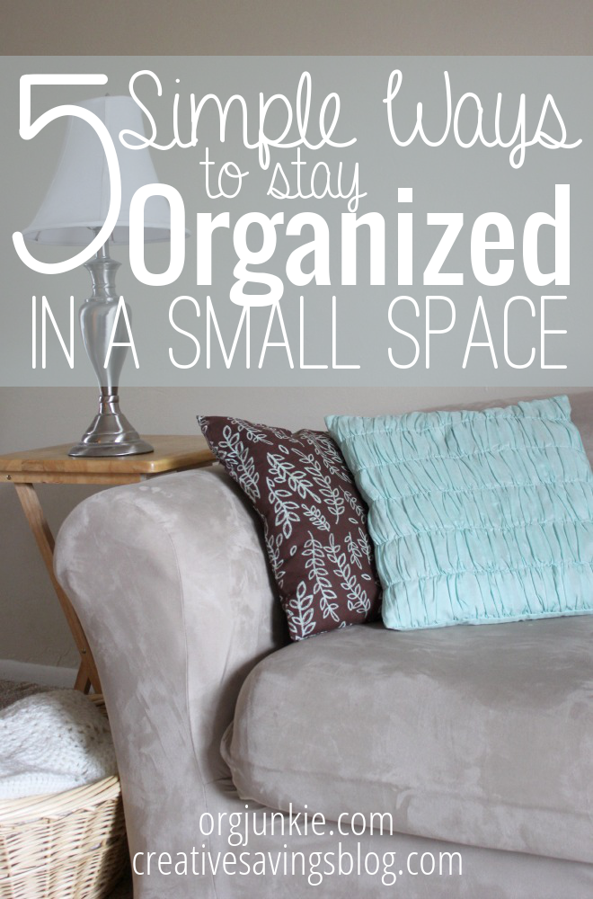 If you've ever lived in a tiny apt, you know what a pain it is to find room for all that stuff! Here are the best tips to stay organized in a small space. #stayingorganized #organizationhacks #organizationtips #smallspace #smallspaceliving #smallspaceorganization