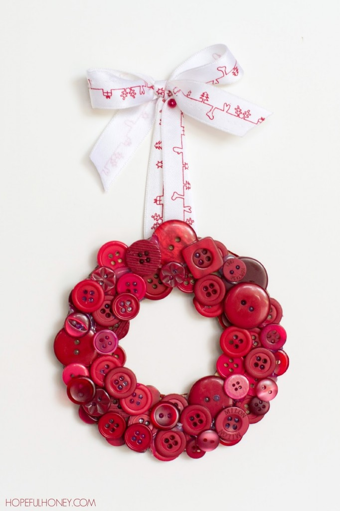 DIY Christmas Button Wreath | Frugal Uses for Buttons
