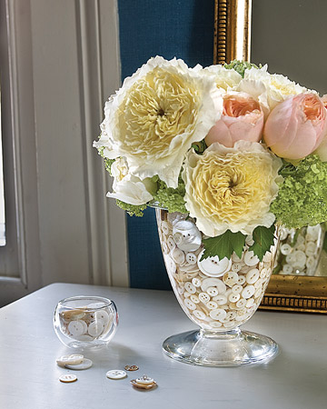 Button Filled Vase | Frugal Uses for Buttons