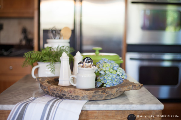 Hosting Tips - How to Be the Perfect Dinner Hostess {When You're an Introvert}