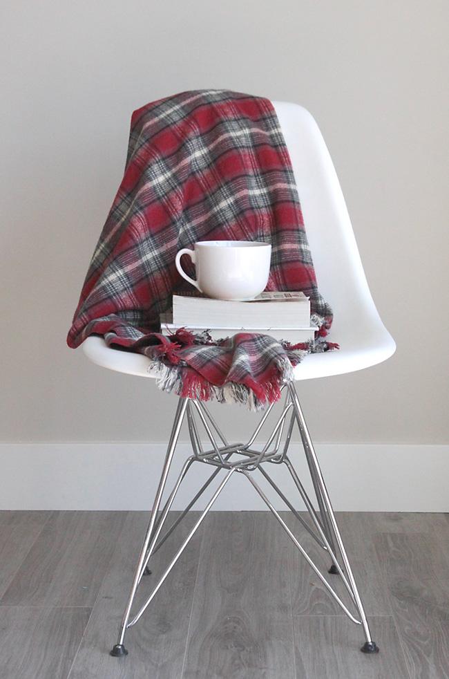 flannel-throw-easy-diy-fringed-fringe-blanket-handmade-gift-idea-christmas-holidays-how-to-make-5