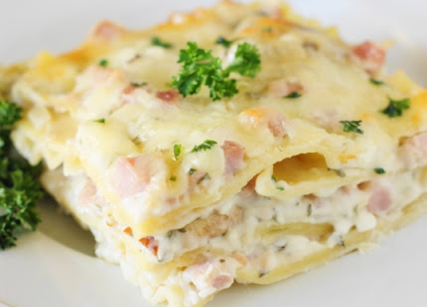 I love it when you can turn the leftovers from a main dish, like ham, into a completely different main dish for another night! This recipe transforms your leftover ham into perfectly delicious ham and cheese lasagna.