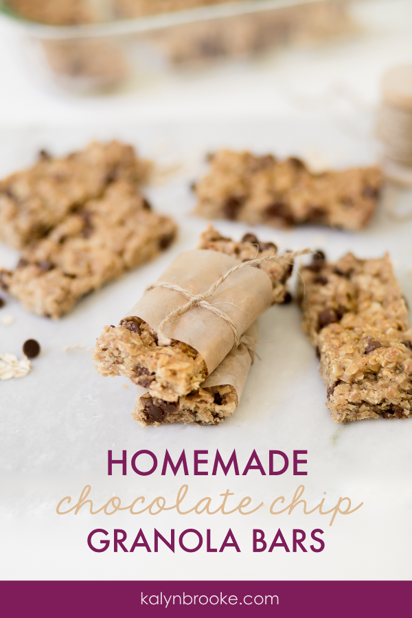 I was searching for easy to make granola bars and other healthy snacks when I came across this recipe for Chocolate Chip Granola Bars. I tried them and O.M.G. they are AMAZING! Seriously, you have to try out these homemade granola bars!! I promise you, you'll be making them over and over again! #homemadegranolabars #granolabarrecipe #diygranolabars #chocolatechipgranolabars