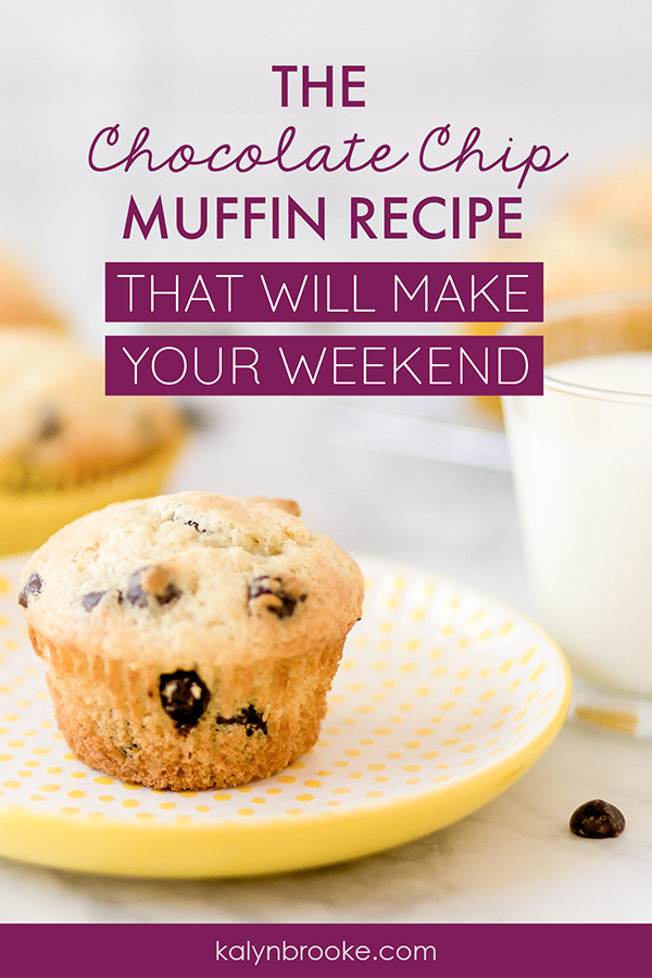 These chocolate chip muffins are divine! If my waistline let me have them for breakfast every single day I totally would. I also how simple this chocolate chip muffin recipe is to make, and it's freezer friendly too! #chocolatechipmuffins #chocolatechipmuffinrecipe #muffinrecipe #muffinideas