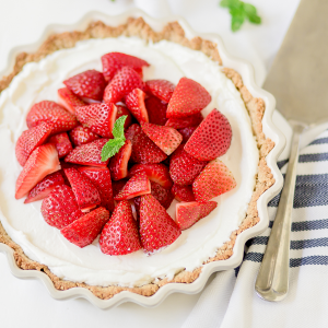 Light and Healthy Strawberry Breakfast Tart